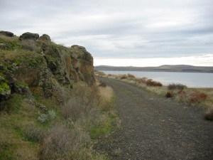 Hat Rock Trail w River